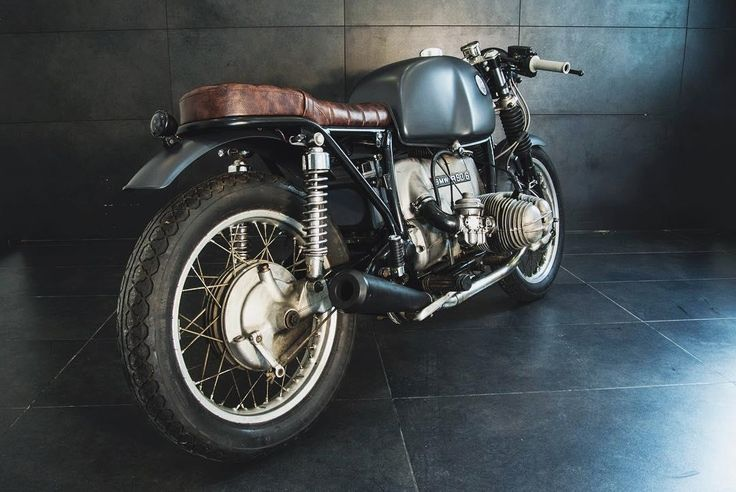 Repost: @caferacerclub R90. | built by @thebikelab. | #bmw #boxer #caferacerclub#custombike #caferacerporn #scrambler #bobber #custommotorcycle #flattrack #brattracker #caferacerculture #caferacerxxx #streettracker #motorcycles #caferacersofinstagram #bratstyle
