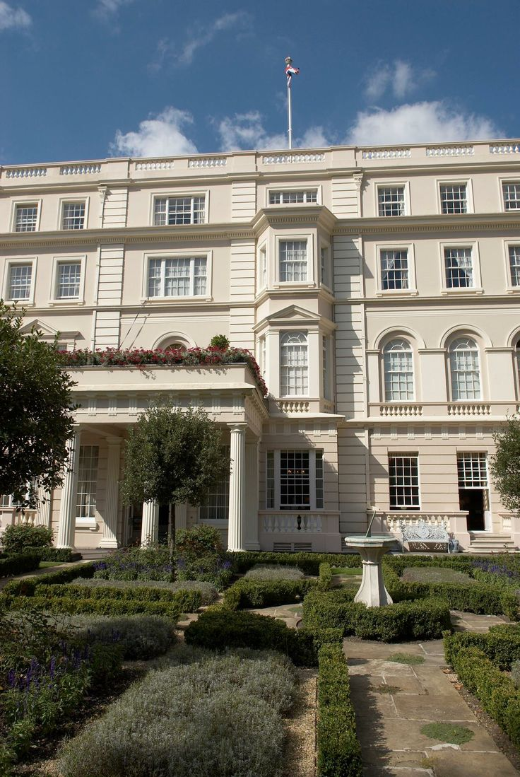 Clarence House : home of the Prince of Wales