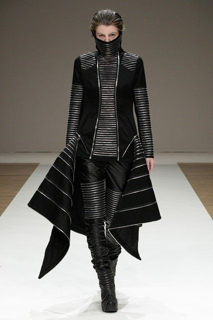 The Futuristic Look  I  Liberum Arbitrium Spring 2012 Catwalk