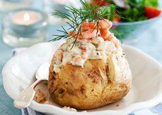 Bakad potatis med rökta räkor | MåBra - Nyttiga recept