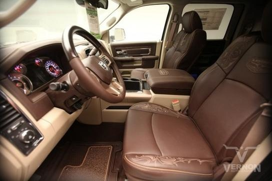 Dodge Ram 2500 Laramie Longhorn Edition, HELL YES!