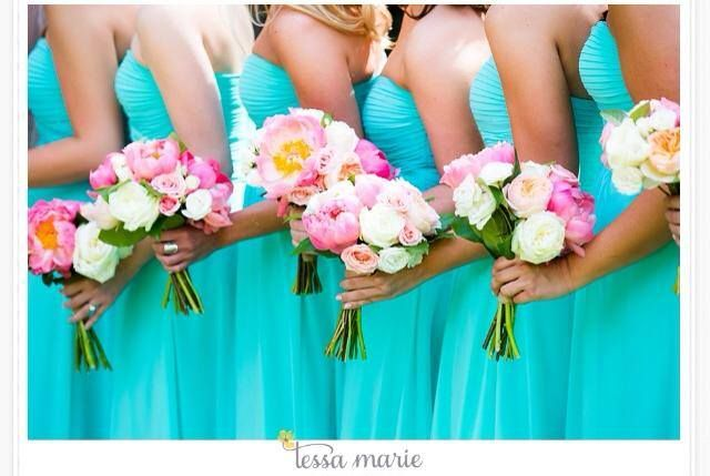 Love the bouquets colors!