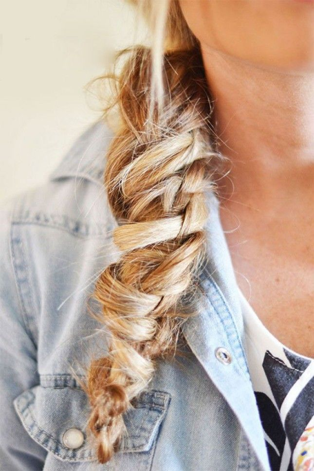 Follow this hairstyle tutorial to give yourself a Chinese staircase braid.
