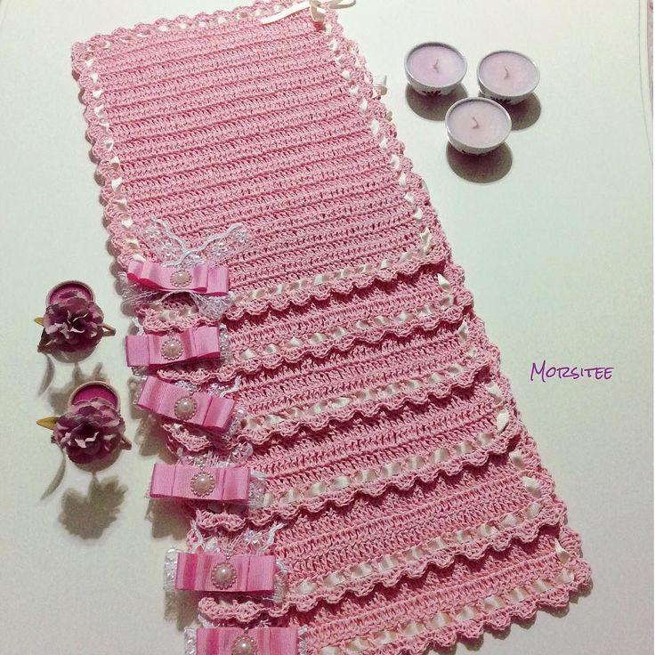 morsitee çeyizlik amerikan servisleri hazır#supla#amerikanservisi#örgü#örgügram#decor#evdekorasyonu#kağıtip#örgümüseviyorum#kurdela#fisto#dantel#çeyiz#gelinçeyizi#pembe#pink#love#knitting#knittinglove#tığişi#crochet#crochetlove#tasarım#elemeği#elişi#instagram#instacrochet#mutluluk#iyigeceler#