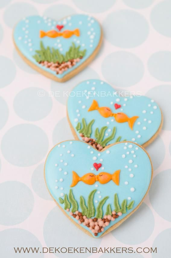 Under the Sea Party ~ Kissing fishies cookies via Flickr