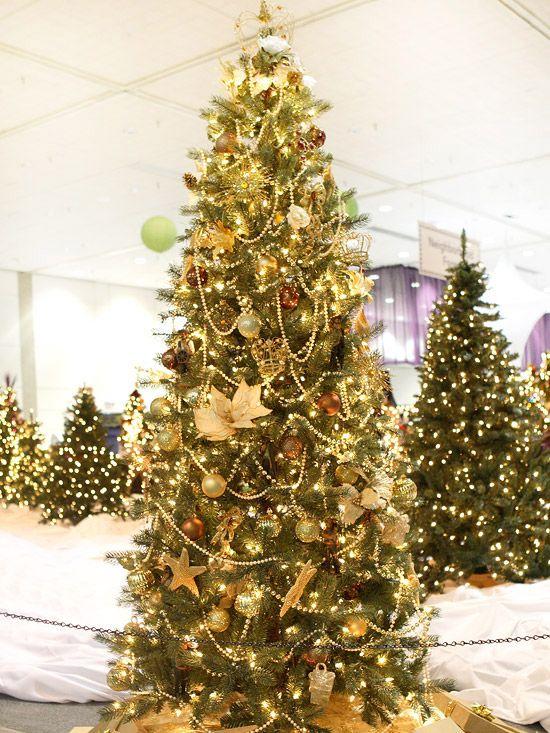 36 stunning ways to trim your tree - Gold Christmas Tree Lights