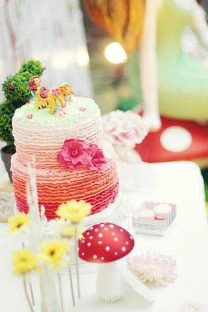 Stunning ombre fairy cake #cake #fairy #ombre