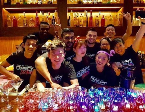 We are ready to paaarteeey!! Bring on the last night of 2017 : @o_osang . . . #fullhouse #soldout #worldofhyatt #backtothe80s #discotech #martinibarsg #bestteam #grandhyatt #livinggrand #bringon2018 - via Grand Hyatt Singapore on #Instagram : Exciting #Travel Tips and Destinations - International #Holiday Ideas - Tropical #Vacations - Exotic Tourist Spots - Adventure Travel Inspiration - Luxury #Hotels and Beautiful Resorts Pictures by Traveling247