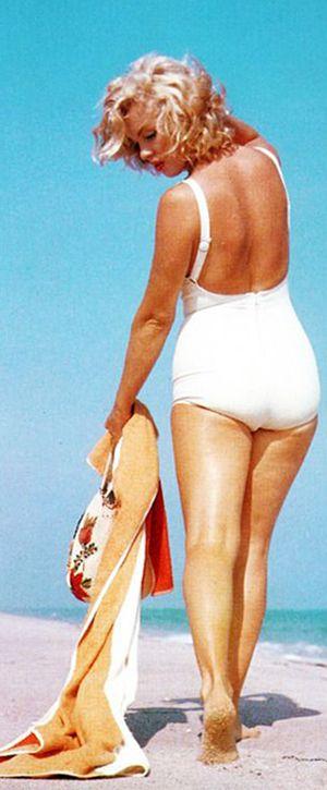 Marilyn. Photo by Sam Shaw, 1957.