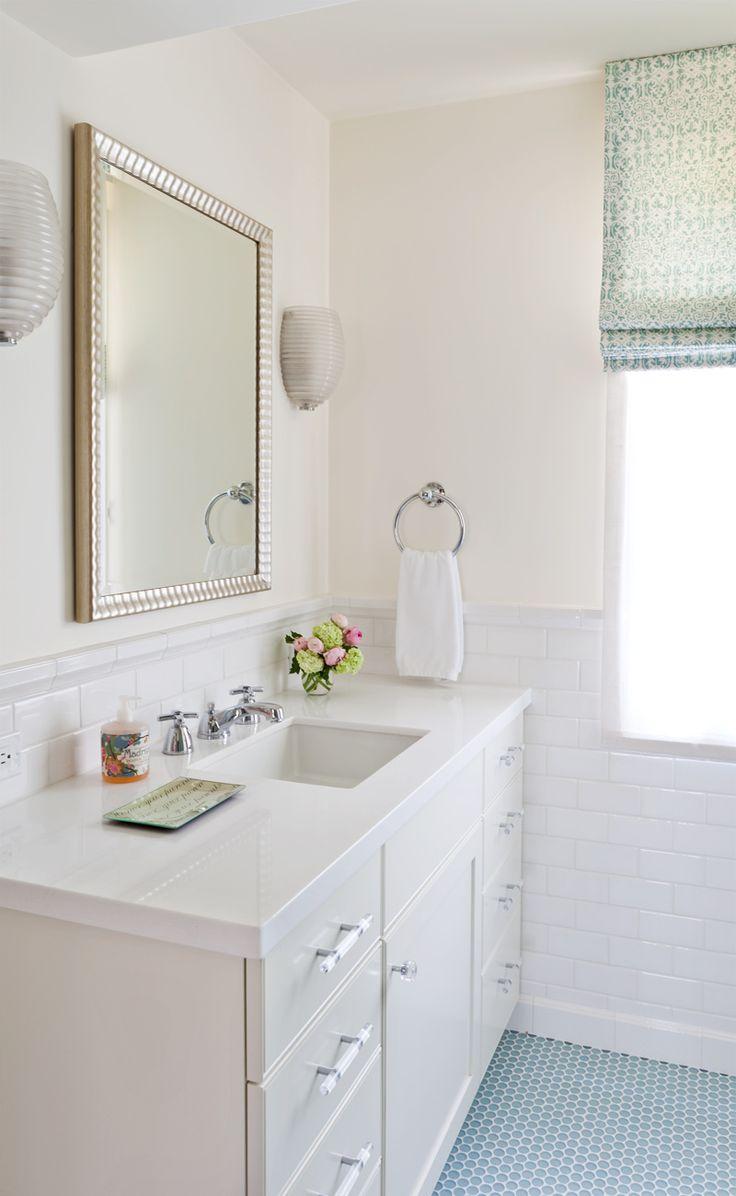 Brilliant White Ceramic Tile Bathroom Elegant Decoration With ...