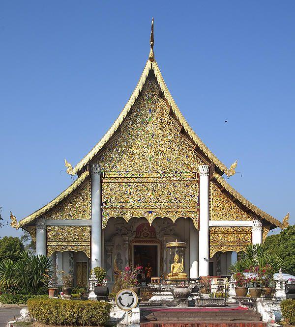 2013 Photograph, Wat Chedi Luang Phra Wiharn, Tambon Phra Sing, Mueang Chiang Mai District, Chiang Mai Province, Thailand. © 2013.  ภาพถ่าย ๒๕๕๖ วัดเจดีย์หลวง พระวิหาร ตำบลพระสิงห์ เมืองเชียงใหม่ จังหวัดเชียงใหม่ ประเทศไทย