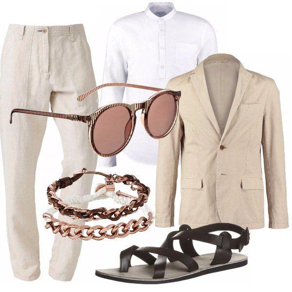 Ti piace vestire con questo stile? Chi ti consiglia questo outfit è una donna a cui piace proporre un look originale. Pantalone in lino, camicia bianca e giacca sabbia. Accessori per distinguersi e sandalo flat in cuoio tabacco. Buono shopping!