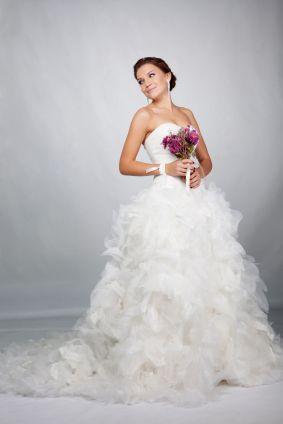 Abiti da sposa con volant www.matrimonio.com/articoli/abiti-da-sposa-con-volant--c5093