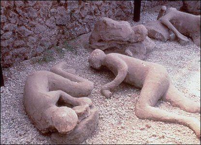 pompeii volcano | Explaining the Pompeii bodies