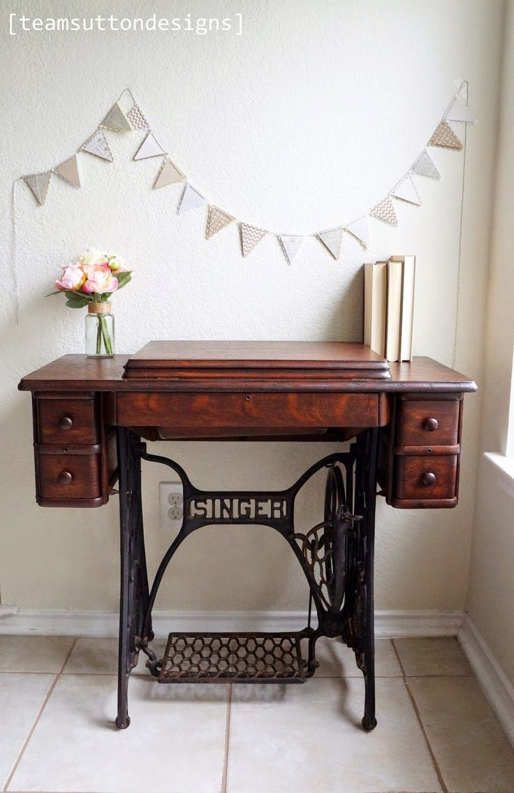 25 best ideas about singer sewing tables on pinterest sewing machine tables antique sewing. Black Bedroom Furniture Sets. Home Design Ideas