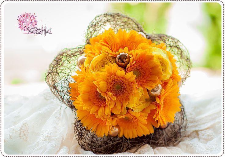 """Sunshine"" Bridesmaid bouquet"