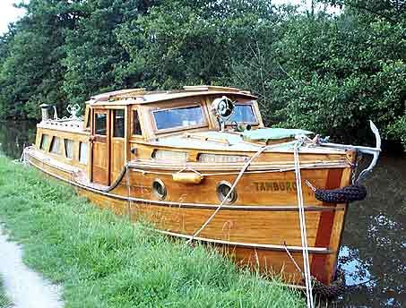 this would be fun to sleep on and go up and down the canals