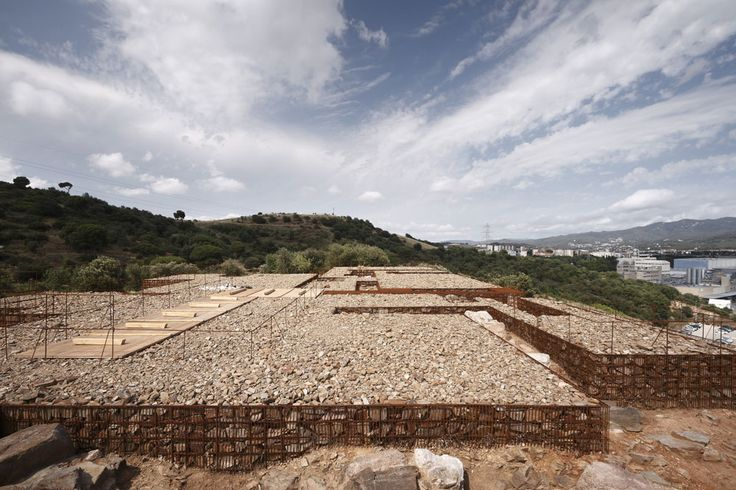 Adaptation of the Ancient Roman Deposit of can Tacó