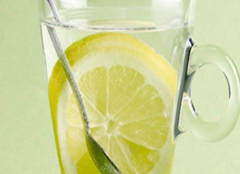 De vergissing met citroenwater die miljoenen mensen iedere ochtend maken