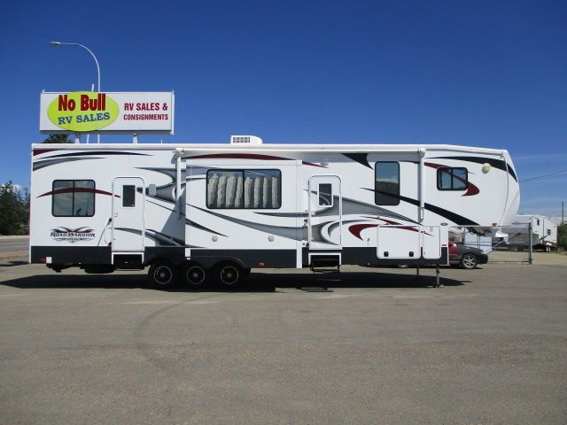 Campervan For Sale Alberta >> 25+ best ideas about 5th Wheel Travel Trailers on Pinterest | 5th wheel camping, Trailer ...