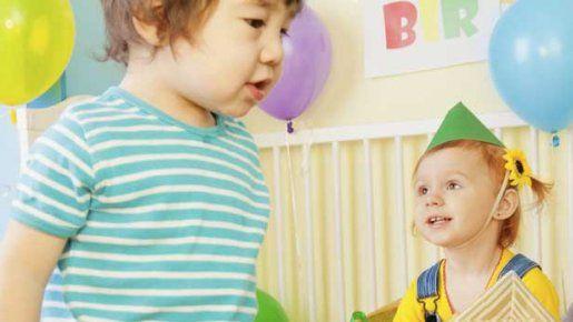 jeux anniversaire enfant des jeux en int rieur pour les 4 7 ans enfant. Black Bedroom Furniture Sets. Home Design Ideas
