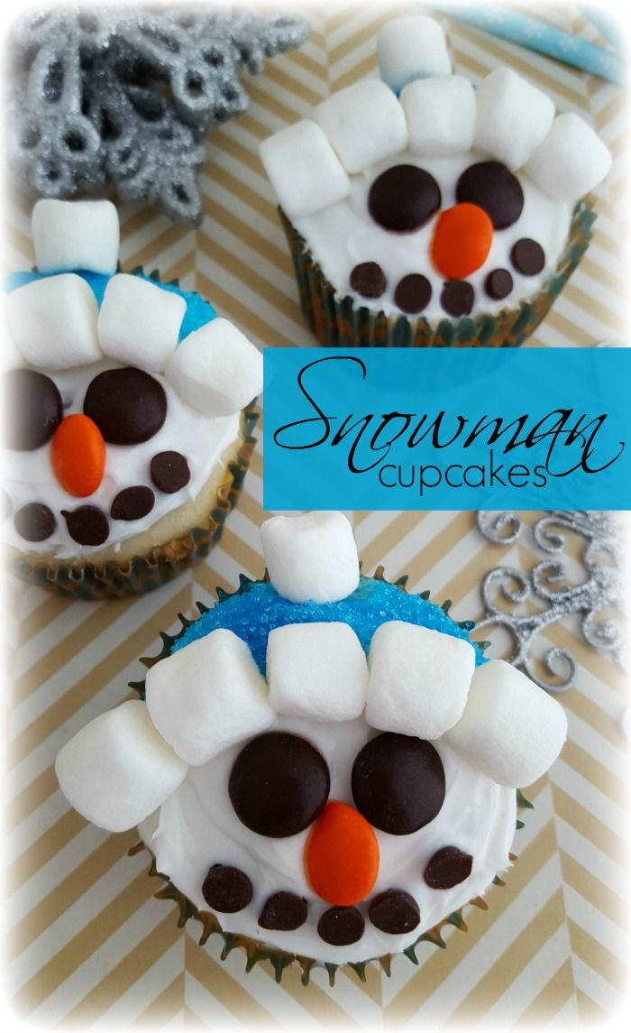 So fun and SUPER easy, these Snowman Cupcakes are adorable!