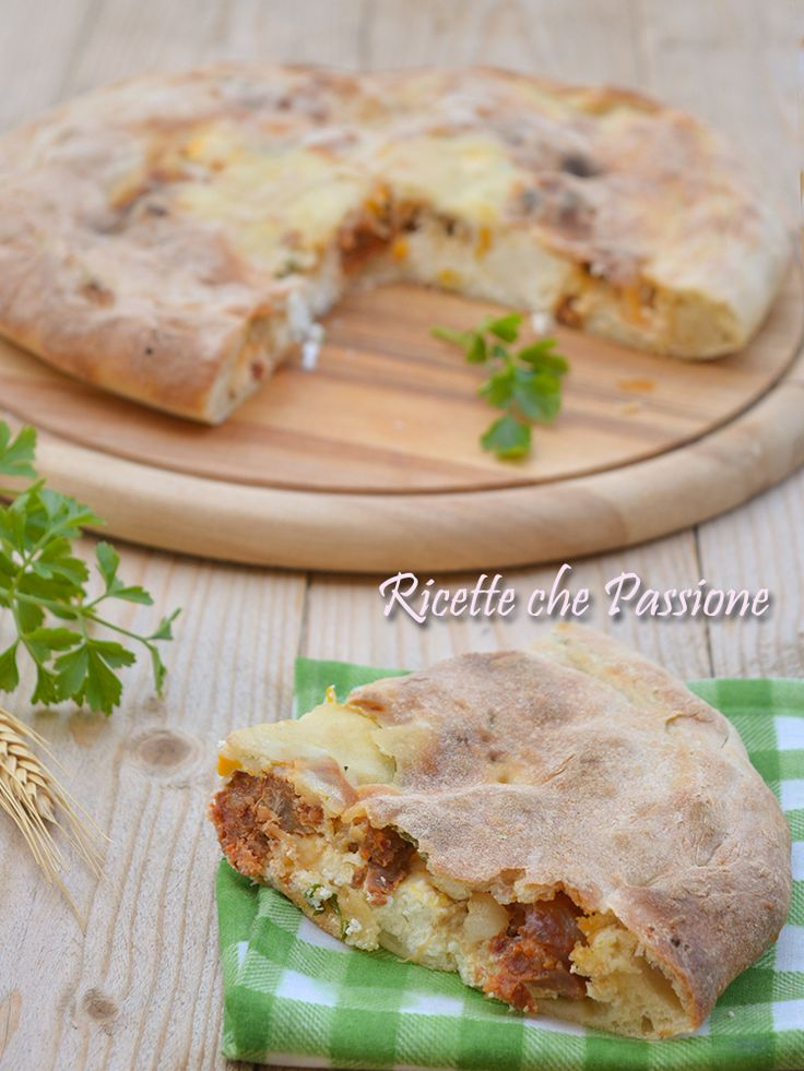 Pitta piena di Pasqua, ricetta tipica calabrese, pitta chjina o 'mbignulata