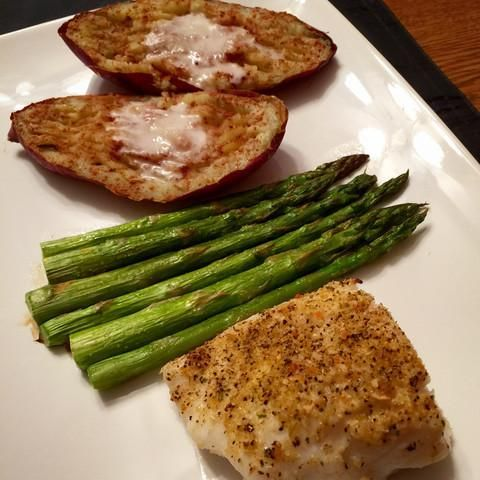 An easy to make cod recipe featuring Atlantic Cod from Sizzlefish. Quick preparation, gluten free, high protein & heart healthy! The perfect low calorie meal!