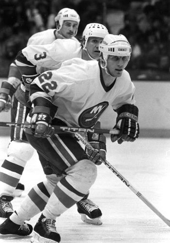 24 - On April 1, 1978, Mike Bossy became the first Islander and first rookie in NHL history to score 50 goals in a season, in a 3-2 win against the Washington Capitals. By season's end, he scored 53 goals and 38 assists for 91 points in 73 games and wa