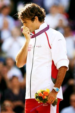 Roger Federer kissing his Silver medal, London Olympics 2012  #Tennis #RogerFederer