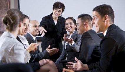 Networking: Kontakte knüpfen – aber richtig! - karriere.de