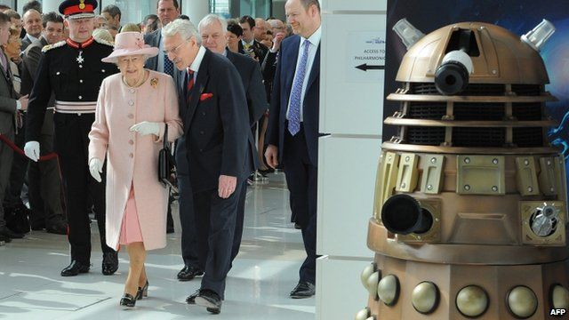 Queen + Dalek at MediaCityUK -- what a world of wonders we live in; no photoshopping necessary