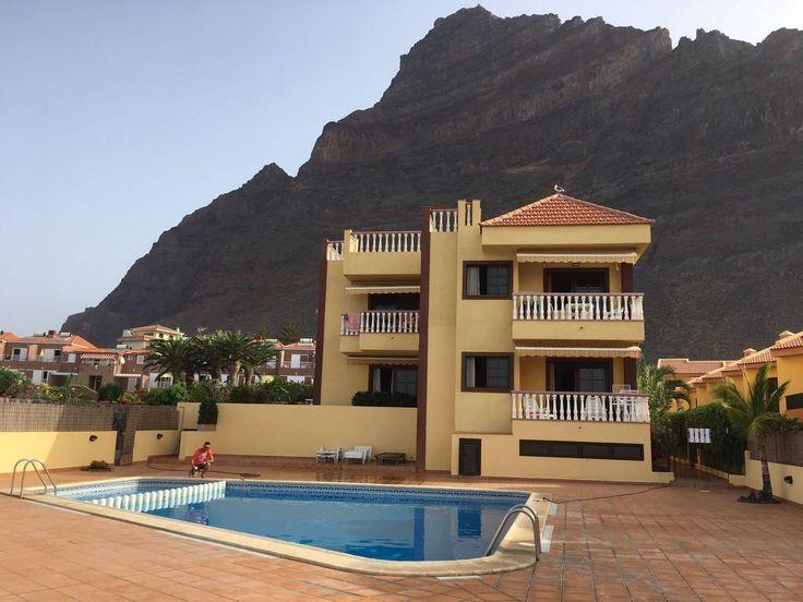 Gehele woning/appartement in Playa de la Calera, ES. Apartamento bien ubicado, con piscina. En uno de los sitios más tranquilos y emblemáticos de Valle Gran Rey. A 600 metros de la playa del inglés y a menos de 500 metros de Playa Calera.