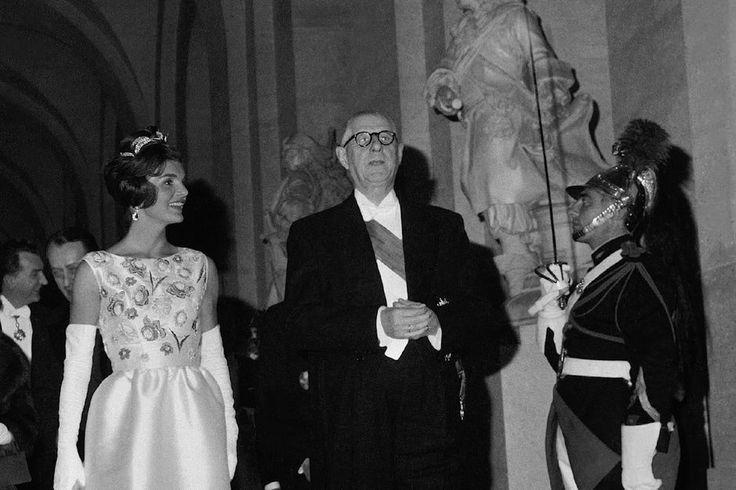 Première partie de «De Gaulle-Kennedy, une journée particulière» par l'historien Franck Ferrand.C'est probablement à partir du voyage offi...