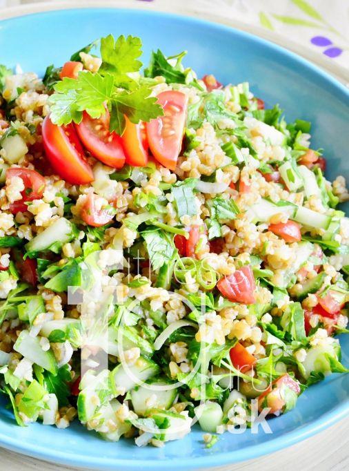 Tabbouleh - bylinkový salát dochucený bulgurem
