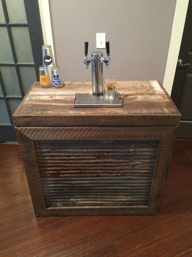 he turned a cheap freezer into an industrial kegerator for their wedding