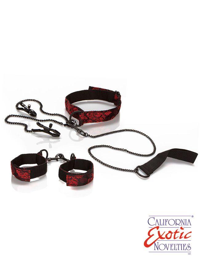 Dieses luxuriöse Sub-Set passt ganz sicher in Deine BDSM Kollektion. Es beinhaltet eine Stretch-Augenbinde, justierbare Fesseln für den Gebrauch an Handgelenken oder Knöcheln,  ein luxuriöses, doppelseitiges Halsband mit universellem...