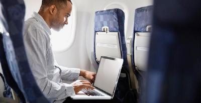 EEUU levanta el veto a dispositivos electrónicos en cabina a Saudia