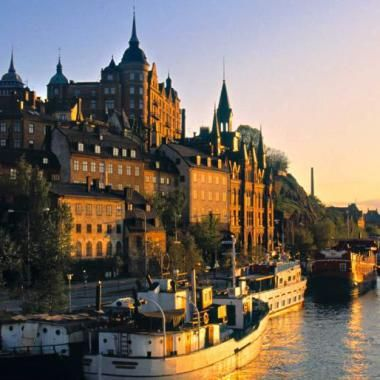 Scurt si la obiect cu 258 lei (bagaj de mana /rucsac) ajungi la Stockholm dus – intors cu Wizz Air. Se pleaca vineri 10/06/2016la ora 18.35 pm – te invoiesti doar 2 ore de la servici …