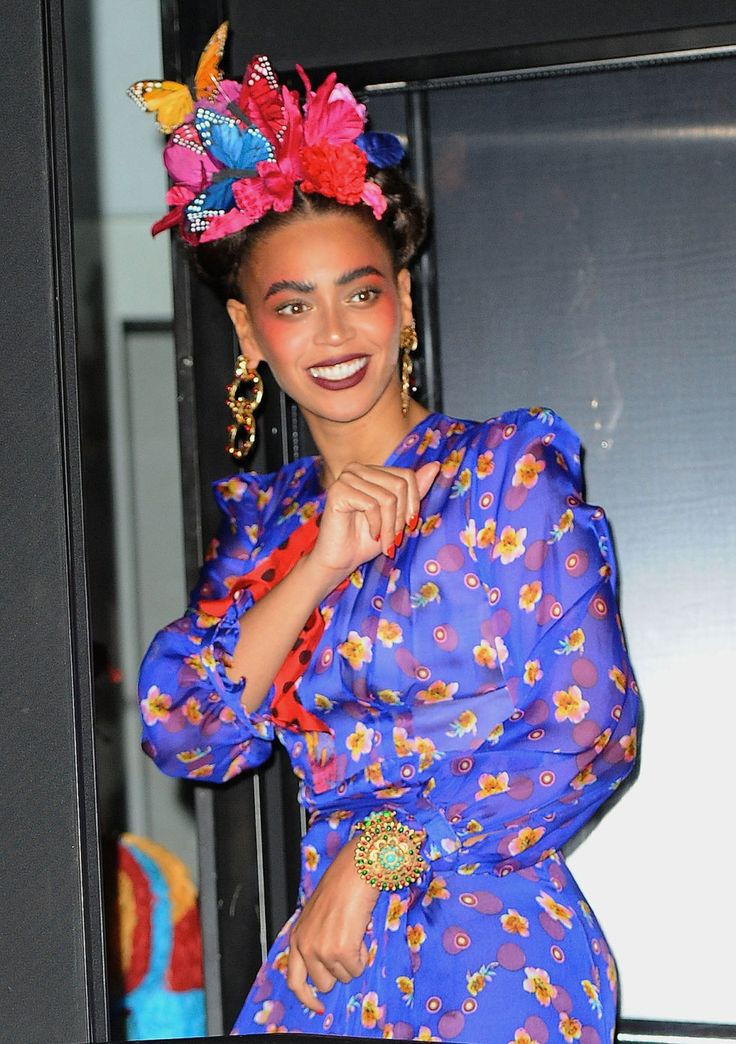 Beyonce shows you how to nail the classy way to do a sexy Halloween costume.