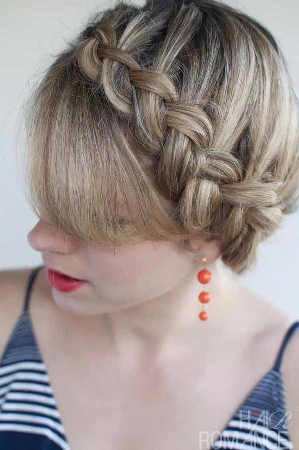 10 eye-catching medium length hairstyles for women with braids #longhairstyles