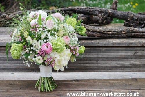 Brautsträuße, Anstecker, Haarschmuck » Blumenwerkstatt Klara Kwas - Blumen Floristik Hochzeit Brautstrauss Brautstrauß Kränze Beerdigung
