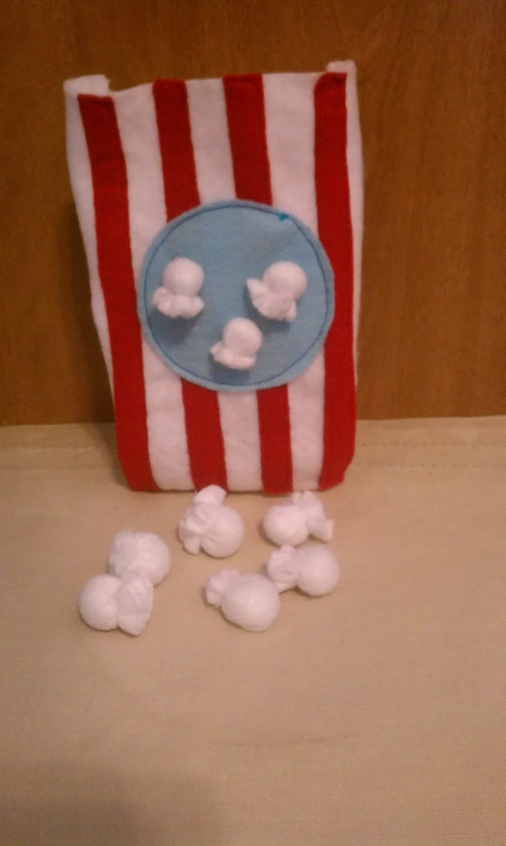 Felt Play Food Movie Style Popcorn. $6.00, via Etsy.