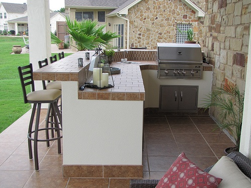 Southern Outdoor Appeal | Outdoor Kitchen