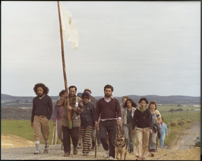 Heinegg, Christian F fl 1975-1978 :Photograph Maori Land March demonstrators between Te Hapua and Mangamuka