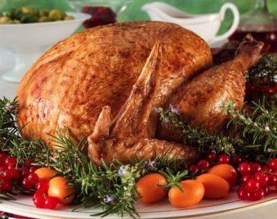 Η γαλοπούλα έχει γίνει το κύριο πιάτο στο γιορτινο τραπέζι μας. Θέλουμε λοιπόν μια γαλοπούλα με ωραία γεύση και εμφάνιση. Εψάξα και σας βρήκα 4 διαφορετικες συνταγές για το γέμισμά της,καθώς και συμβουλές για να έχετε το καλύτερο αποτελέσμα!Γαλοπούλα γεμιστή με κάστανα και κουκουνάρι! Υλικά για τη γεμιστή γαλοπούλα1 γαλοπούλα γύρω στα 3 ½ …