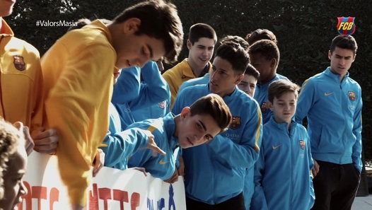 Watch the video « #ValorsMasia – Merry Christmas » uploaded by FC Barcelona on Dailymotion. La Masia help...