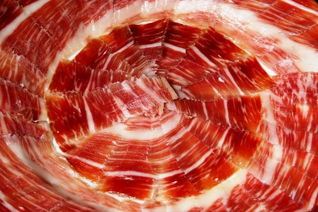 Cuando hablamos de cual es el mejor jamón del mundo sin duda el jamón ibérico es el que se lleva la palma.