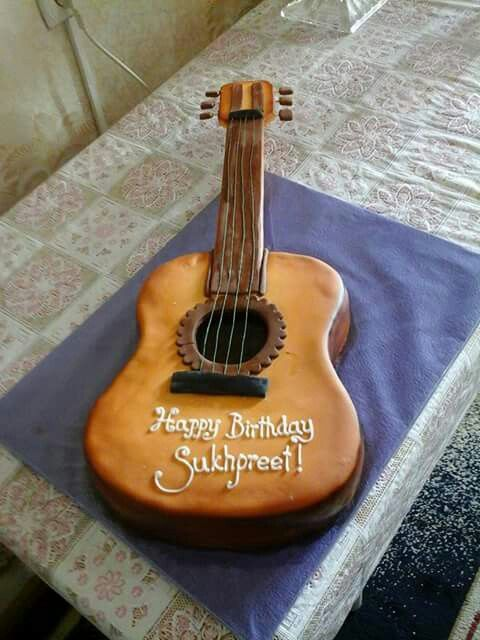1000 ideas about guitar cake on pinterest guitar birthday cakes cakes and music cakes. Black Bedroom Furniture Sets. Home Design Ideas