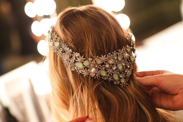 Capelli sposa 2017: sì alle chiome lunghe e sciolte